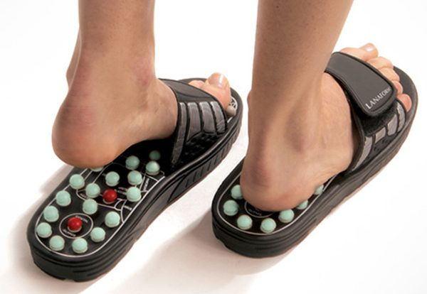 Product-massage-slippers-by-lanaform-mi15272